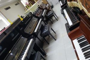 Bảng giá đàn piano cũ Việt Thanh Khuyến mãi cuối năm 1