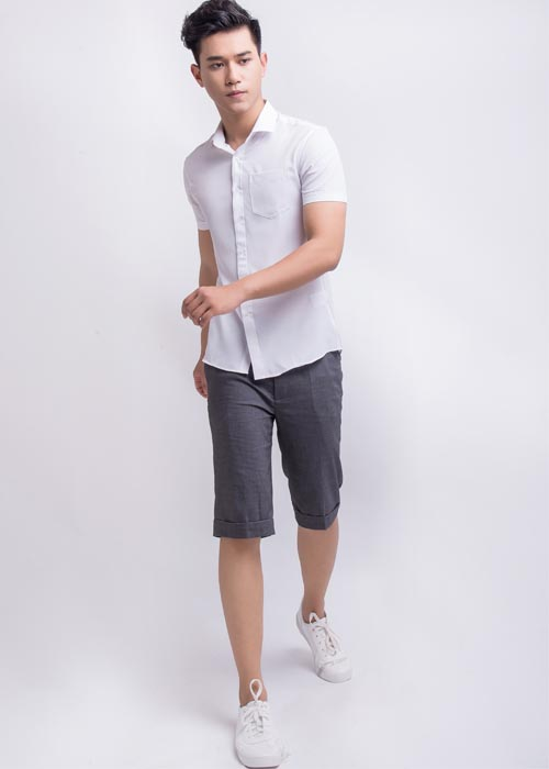 Kết hợp áo sơ mi trắng với quần short - trang phục cho ngày cuối tuần